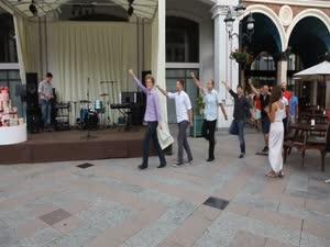 უცხოელები ცეკვავენ განდაგანას   (AEGEE-Tbilisi)