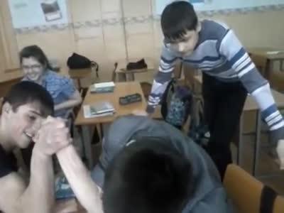 ვაიმეე ხელი მოტეხა როჯას:დ ((