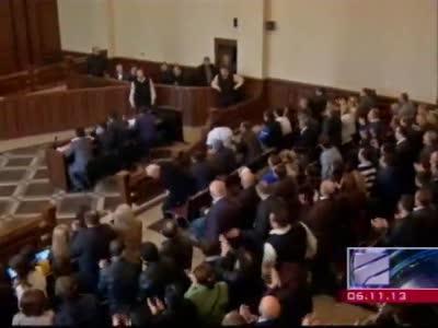 06-Nov-2013 - ვანო მერაბიშვილის სასამართლო აქციის ფონზე გაიმართა