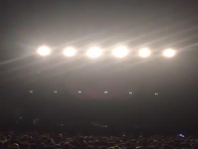 რობი უილიამსის კონცერტის პირველი კადრები (ვიდეო)