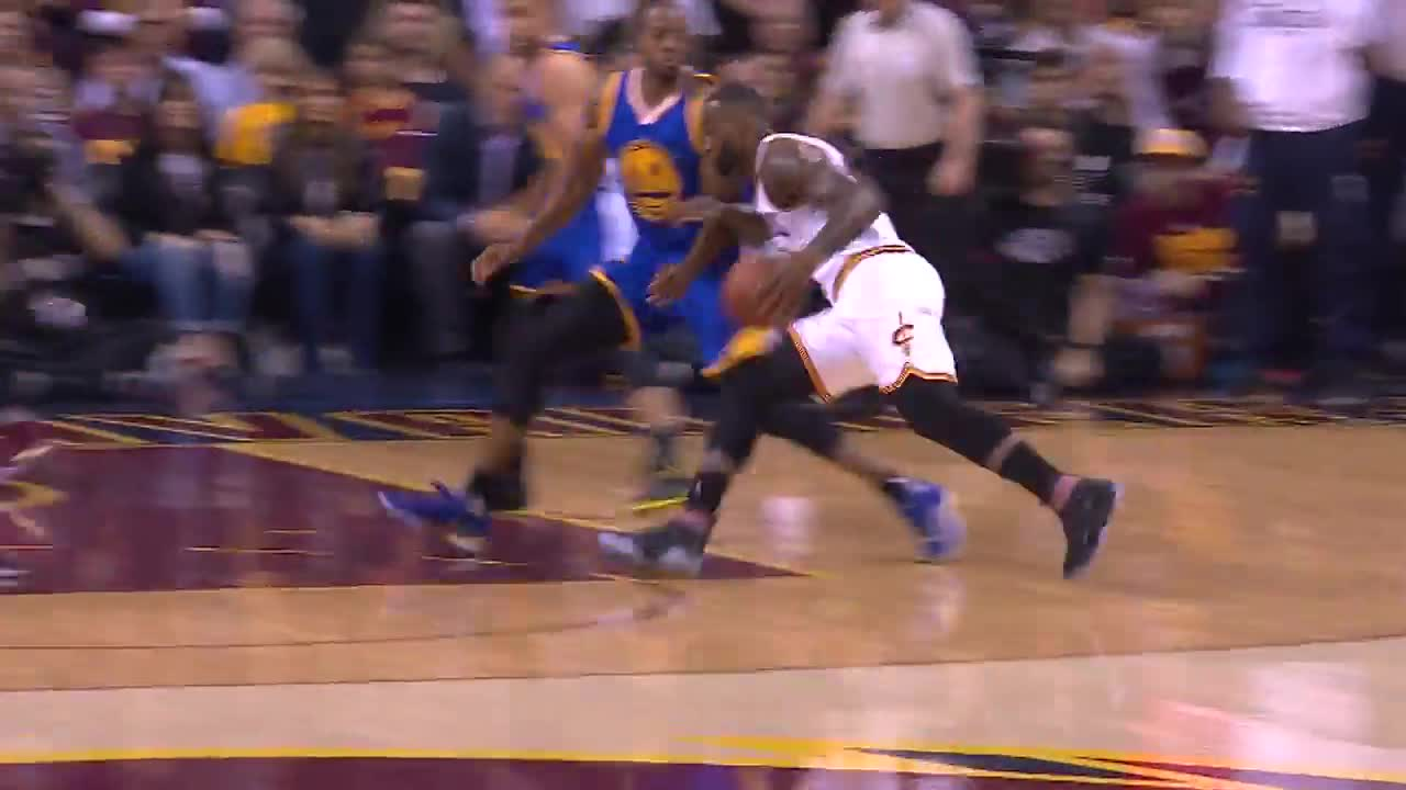 4944feffbd2e Kyrie Irving and Stephen Curry Duel it out in Game 4 of The NBA ...
